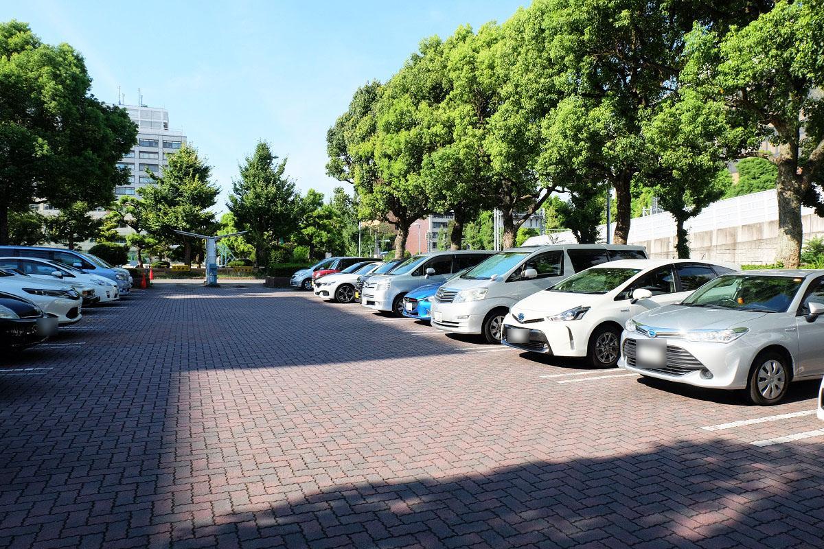 愛知図書館駐車場