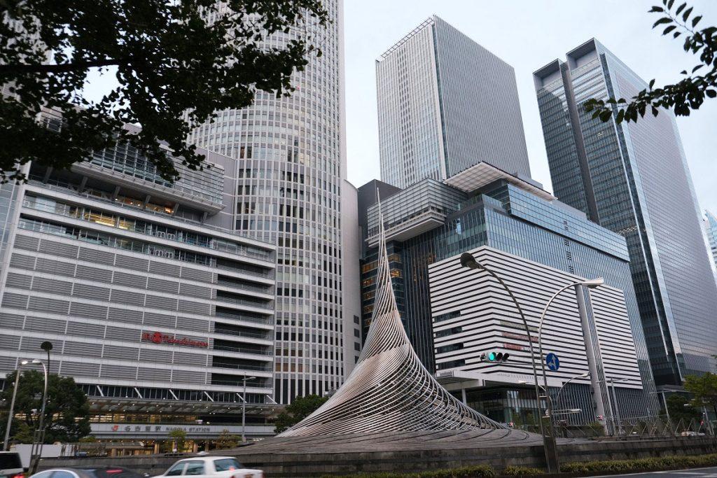 名古屋駅のモニュメント「飛翔」